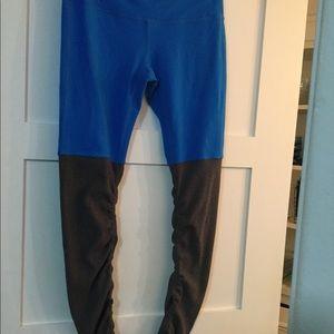 Alo goddess leggings size medium